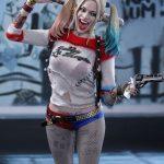 Figurka Harley Quinn Hot Toys