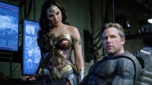 Batman i Wonder Woman w jaskini Batmana